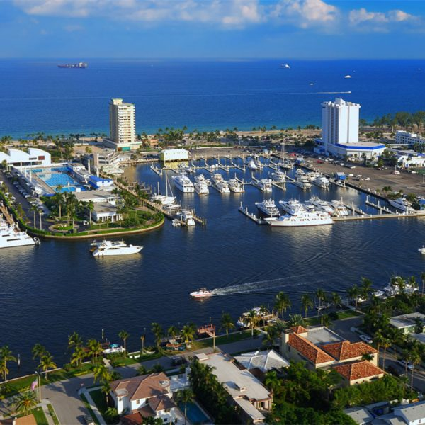 fort lauderdale intracoastal, beach in the background